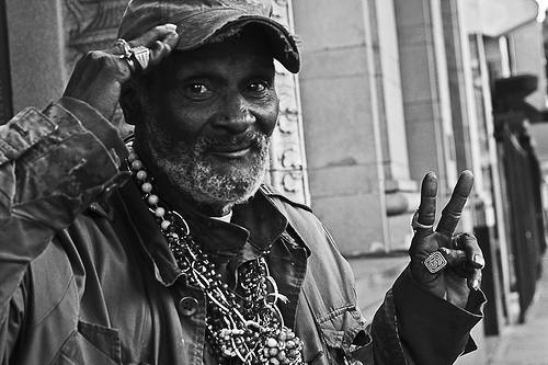 homeless_vet_saluting